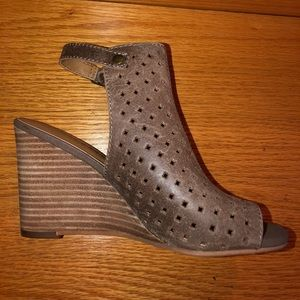 Brown Lucky Brand Peeptoe Wedges